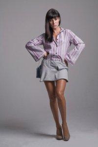 Camisa lilás e saia moletom laço Caund