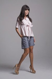 Camisa cute e shorts saruel jeans Caund